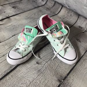 Girls converse all star shoes in Mint green Size 3